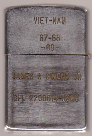 Collection de zippo-rolf (partie...) - Page 17 James-A-Simons-2