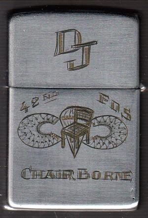 Collection de zippo-rolf (partie...) - Page 19 DJ_Chairborne_2